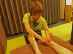足首、ふくらはぎはオイルトリートメントでむくみ解消