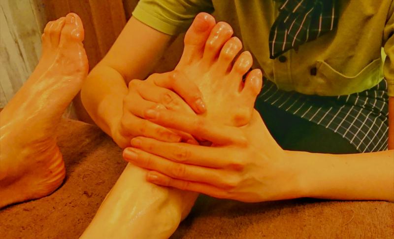 足の疲れ、むくみ、冷えに効くフットルフレ(蒸しタオルつき)