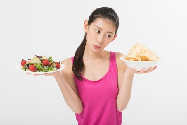 むくみやすい食べ物とむくみ解消にいい食べ物
