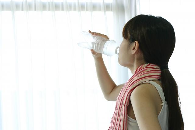 体の不調は水分不足かも